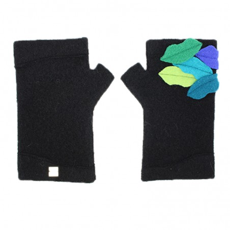 'Kiss' fingerless gloves