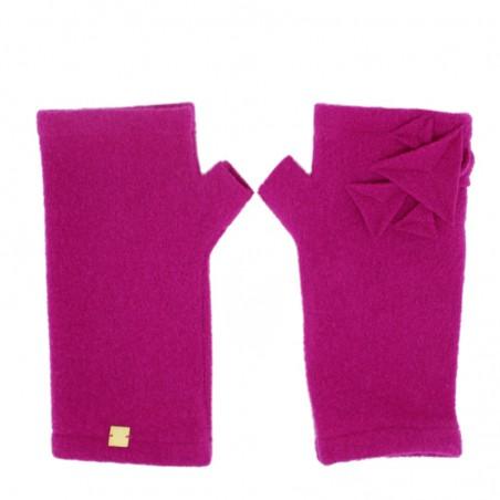 'TEA' fingerless gloves