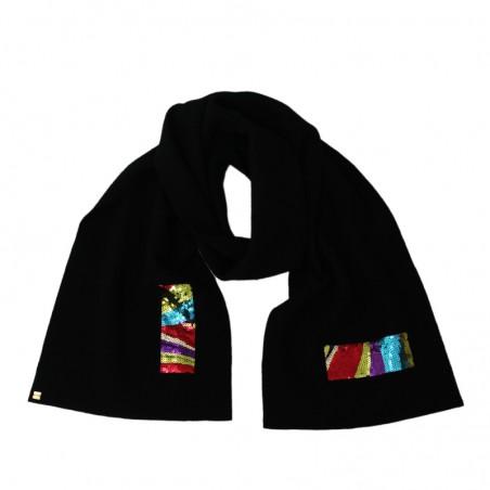 'TIGA' scarf